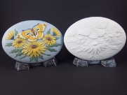 "Bisque Daisy with Butterfly Insert, 6"" L x 4"" W (SKU:D-1303)"